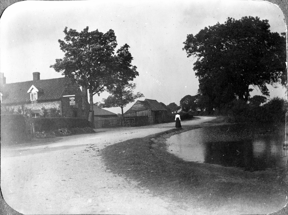 Burnham Road and the Crown