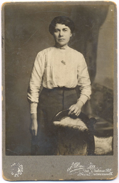 Edith Mitchley, née Rabbits