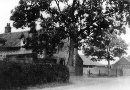 The Crown and its barns before 1925