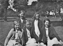 Stanhoe schoolgirls, 1938 or 1939