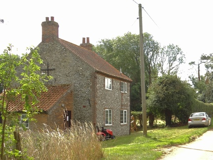 Station Farm cottage, Station Road, probably summer 2013