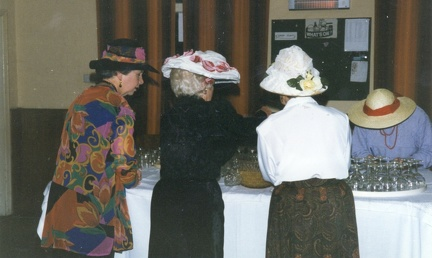 WI members preparing the table, 1994