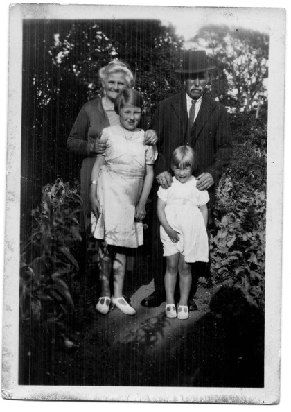 Roland Axman's grandparents with Joyce and Rita Margetson