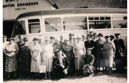 "Stanhoe ""Over Sixties"" outing to the Dog Hotel, Aylsham, June 1960"